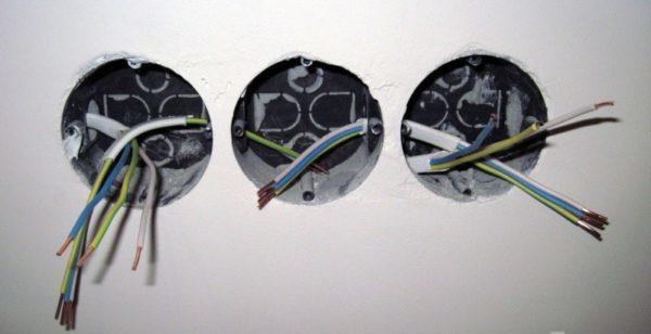 Подключение розеток с заземлением - особенности и монтаж