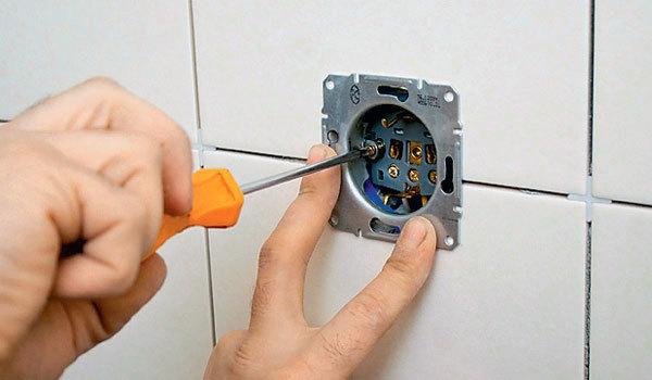 Установка розетки в бетонную стену - инструкция по монтажу