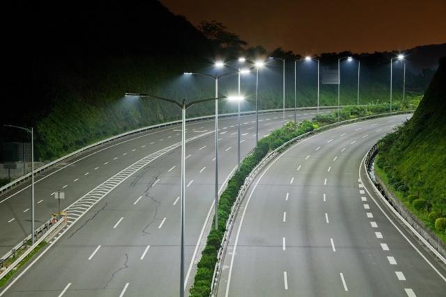 Освещение дорог: требования к освещенности улиц