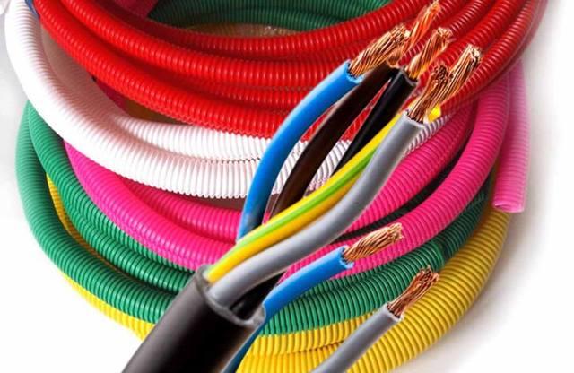 О металлической гофре для проводки: правила монтажа электропроводки в металлогофру