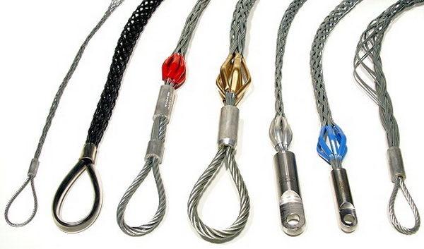 Фиксация кабеля при протяжке методом кабельного чулка
