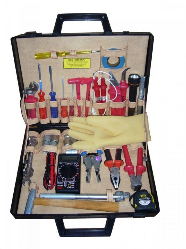 Инструмент для монтажа и ремонта электрики - собираем сумку электрика