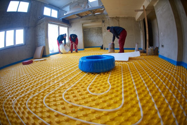 Теплый водяной пол в частном доме: технология устройства, схемы и руководство по монтажу