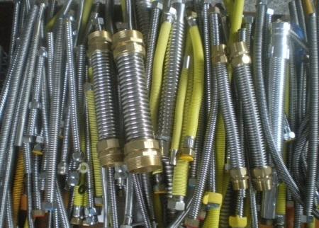Гибкая подводка для смесителя: выбор и установка сильфонной подводки для воды