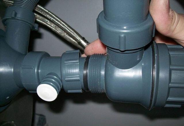 Чем и как прочистить канализационные трубы в частном доме: виды засоров и лучшие методы