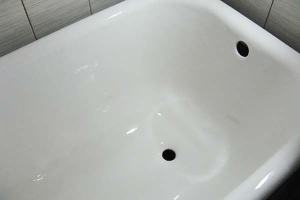 Восстановление эмали на чугунной ванне в домашних условиях: инструктаж по реставрации