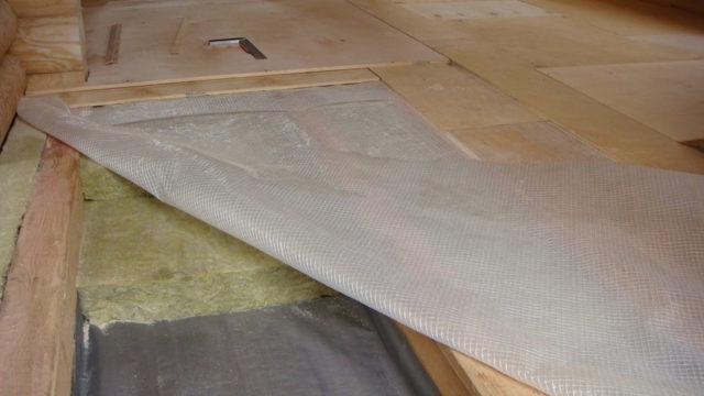 Утепление деревянного пола: обзор технологии проведения теплоизоляционных работ