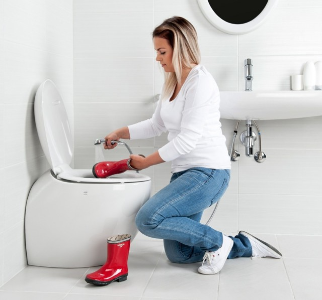 Гигиенический душ для унитаза: виды, как выбрать и установить своими руками
