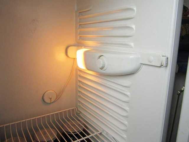 Какие бывают лампочки для холодильника: виды, параметры, выбор и замена