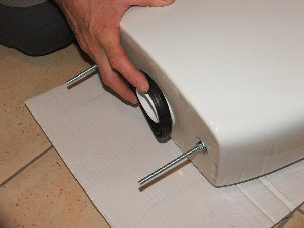 Как выбрать и заменить прокладку между бачком и унитазом
