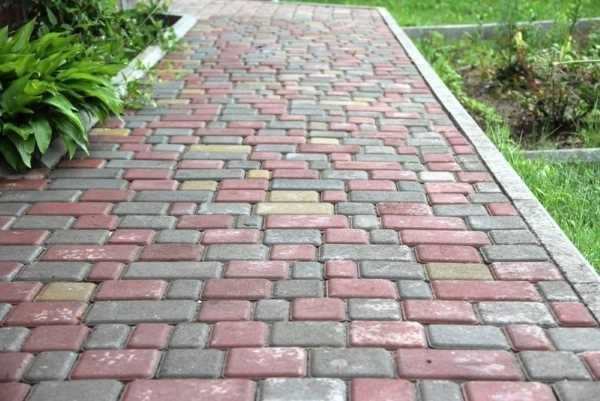 Тротуарная плитка Старый город: характеристики, разновидности и преимущества, конфигурация, способы укладки, размеры, цвет