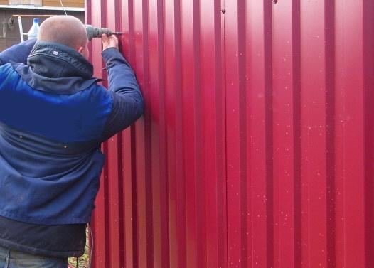 Как сделать ворота своими руками из профнастила: чертежи и пошаговый инструктаж