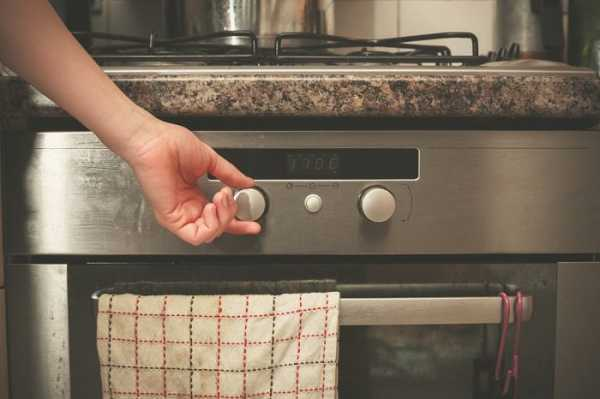 Для чего нужен нижний ящик в газовой плите: варианты использования плиточного поддона