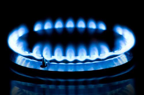 Почему автоподжиг газовой плиты постоянно щелкает и самопроизвольно срабатывает: причины и способы их устранения