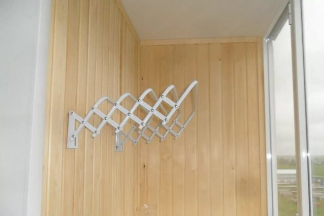 Сушилка на балкон для белья: ТОП-15 лучших моделей и рекомендации по выбору и монтажу