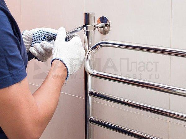 Установка полотенцесушителя: как провести монтаж своими руками