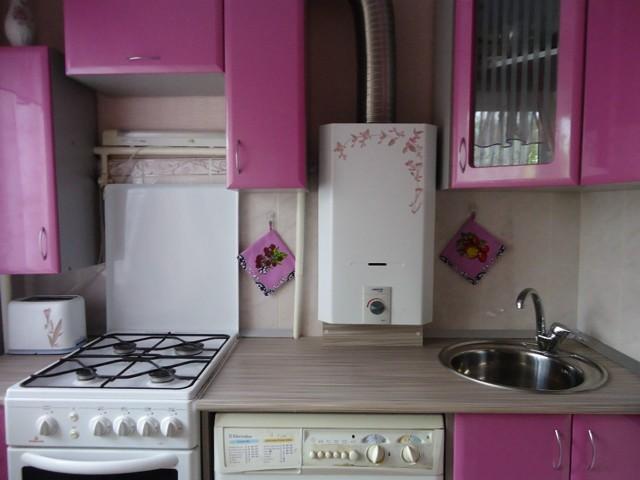 Как спрятать газовую колонку на кухне: требования безопасности и подборка лучших идей по маскировке
