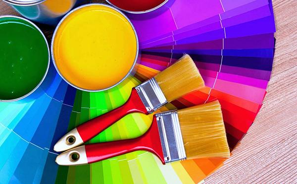 Покраска обоев: пошаговая инструкция, подбор краски, как красить, виды и особенности обоев, материалы, инструменты