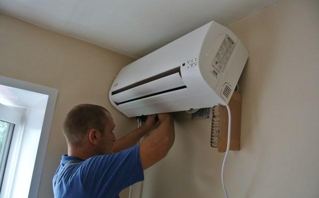 Где можно поставить кондиционер: выбор оптимального места для монтажа в частном доме и в квартире