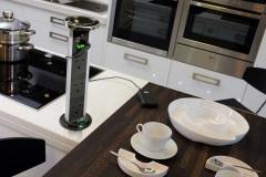Встраиваемые розетки в столешницу: виды, устройство и советы по выбору и установке